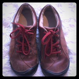 KEEN LEATHER WALKING SHOES